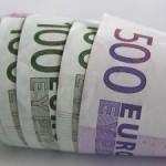 Hämmentävä tapaus: Nainen saa lainaamisesta rahaa